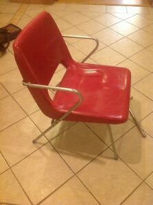 Herman Miller Charles Eames Fiberglass Side Shell Chair Red Rare Project Chair