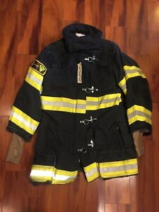 Firefighter Janesville Lion Apparel Turnout Bunker Coat 36x32 2007 Black Costume