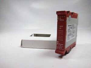 New Allen Bradley Guardmaster 440r em4r2 A Safety Relay