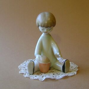 Vintage Porcelain Hungarian Hollohaza Art Deco Sand Lowely Girl Handpainted