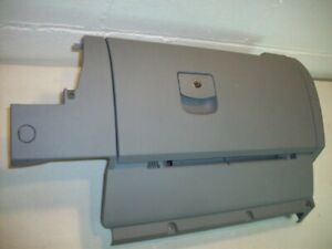 1999 Vw Beetle Bug Glove Box Compartment Assembly Complete Grey Scratched