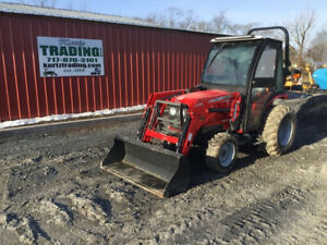 2013 Massey Ferguson 1529 4x4 Hydro Compact Tractor W Loader Cab Only 58 Hrs