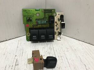 1995 1997 Xj6 Xj12 Xjr Xk8 Xks Vdp Information Center Module W Traction Control
