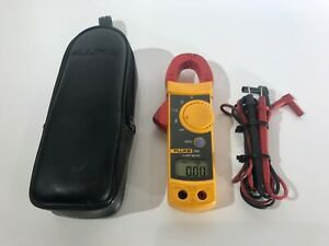 Fluke 322 Clamp Meter With Leads And Case