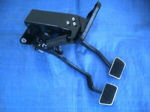 Ford 67 68 Mustang cougar reconditioned Oem Clutch Brake Pedal Set