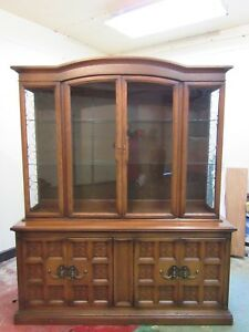Vintage Mid Century United Furniture Corporation Lighted Wooden Hutch