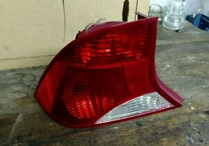 Ford Focus Tail Light W Bulbs Driver Side Oem 2000 2004