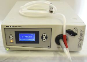 Stryker X8000 Xenon Light Source With 233 050 069 Light Cable