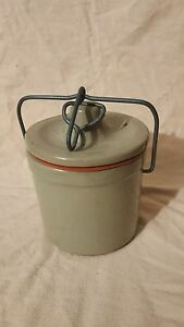 Vintage Unmarked Small Grey Crock With Working Bail And Seal No Cracks Or Chip