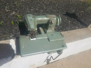 F Vintage Consew Model 222 Sewing Machine