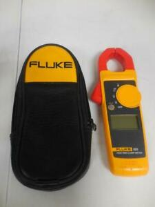 Fluke 323 True Rms Clamp Meter With Case