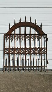 Gorgeous Antique 1850 Era Ornate Cast Iron Gate Old Garden Yard Architectural
