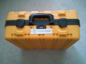 Klein Tools 13 Pc Insulated Utility Tool Kit 33525 W hard Case Brand New