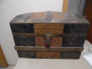 Antique Steamer Trunk Vintage Victorian Humpback Chest Tray
