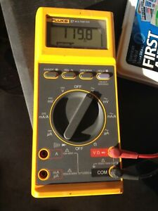 Pre owned Fluke 27 Multimeter Yellow Case Wire Parts Estate Sale Go See It