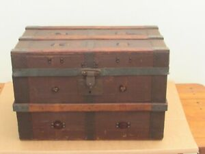 Vintage Trunk Small Sized 18 X 10 5 X 11 5 Nice