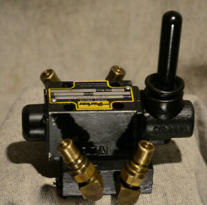 Nice D1vlb8c Hydraulic Lever Parker Directional Control Valve 3