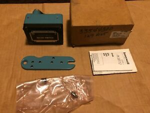 New In Box Honeywell Micro Switch Opd ar30