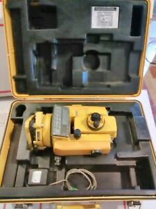 Topcon Gts 2r Theodolite Total Station Land Survey Scope With Molded Hard Case