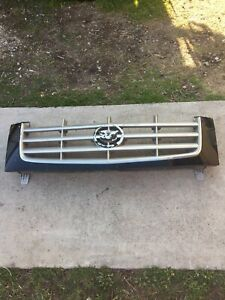 02 03 04 05 06 Cadillac Escalade Ext Black Upper Radiator Grille Grill Oem Gm