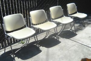 Set Of 4 Vintage Stackable Castelli Chairs Italy