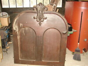 Walnut Victorian Bed Panel W Great Crest Warehouse Sold Many Items Must Go