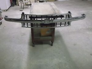 2000 2001 2002 2003 2004 2005 2006 Tahoe suburban Chrome Grille W out Emblem oe