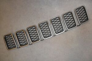 2014 18 Jeep Grand Cherokee Platinum And Black Front Grille Inserts Oem