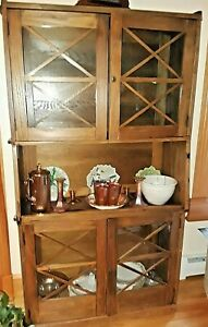Vintage Oak Arts And Crafts China Curio Cabinet Hutch Restored Nice Size