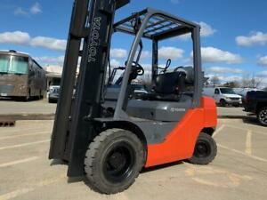 2010 Toyota 5000 Pound Pneumatic Tire Lpg Forklift we Will Ship Lifts 15 Ftl k