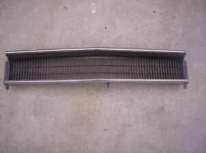 1970 Plymouth Roadrunner Satellite Middle Grille W Trim Mopar