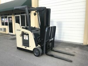 2009 Crown Electric Forklift Stand Up Narrow Aisle Dockstocker Rc5500
