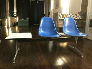 Vintage Herman Miller Eames Tandem Base With 2 Fiberglass Chairs And End Table