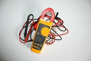 Fluke 324 True Rms Clamp Meter With Leads Case
