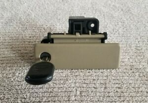 2003 2006 Ford Expedition Glove Box Department Locking Latch With Key Oem Tan