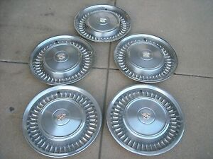 Cadillac Hubcaps Nice Used Set Of Five 5