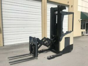 2009 Crown Electric Forklift Double Reach Rd5725 30 107 240