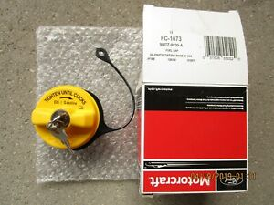 09 11 Ford Crown Victoria Fuel Gas Tank Filler Cap With Tether Key Lock Oem New