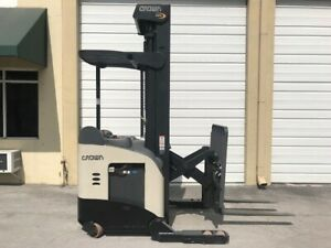 2011 Crown Electric Reach Forklift Rr5725 45 4 500 Lb Cap 119 Low 270 Max