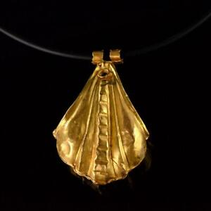 A Large Greek Gold Shell Pendant Hellenistic Period Ca 3rd 1st Century Bc
