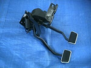 Ford 66 67 Fairlane Comet Falcon Oem Clutch And Brake Pedal Set