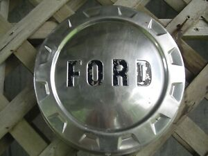 1 Vintage Ford 250 F Series Pickup Truck Dog Dish Center Cap Hubcap Wheel Cover