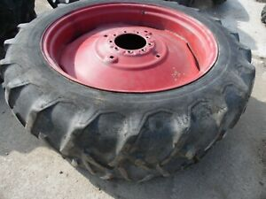 Oliver 77 Row Crop Farm Tractor Rear Tires And Rims no Fluid In Them