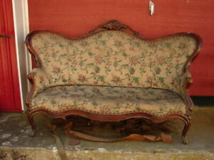 Walnut Victorian Sofa W Grape Carvings Great Frame For Restoration
