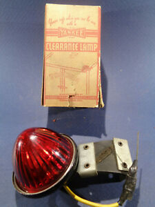 1 Nos Vintage Yankee Clearance Lamp Red Lens Signal Marker Light