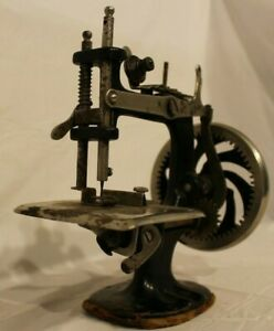 Antique Mini Singer Toy Sewing Machine Rare Collectible Pre 1960s Toy