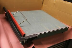 Premier Model 724 24 Paper Cutter Guillotine With Blade Guard Latch