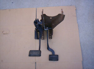 1970 74 Cuda Challenger Clutch Brake Pedal Assembly With Support Bracket