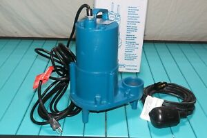 Barnes Crane 1 2 Hp Cast Iron Submersible Effluent Pump With Float Switch 120v