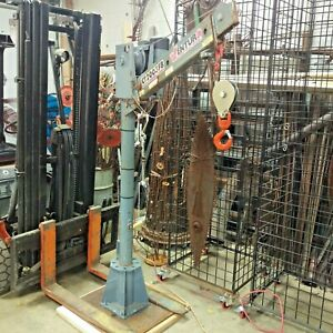 Venturo Ct2003fb Truck Mounted Mast Crane 12 Volt Light Duty 2000 Lbs Limit